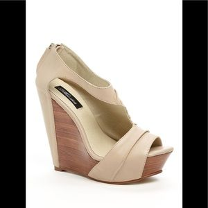 Messeca wedge sandal.